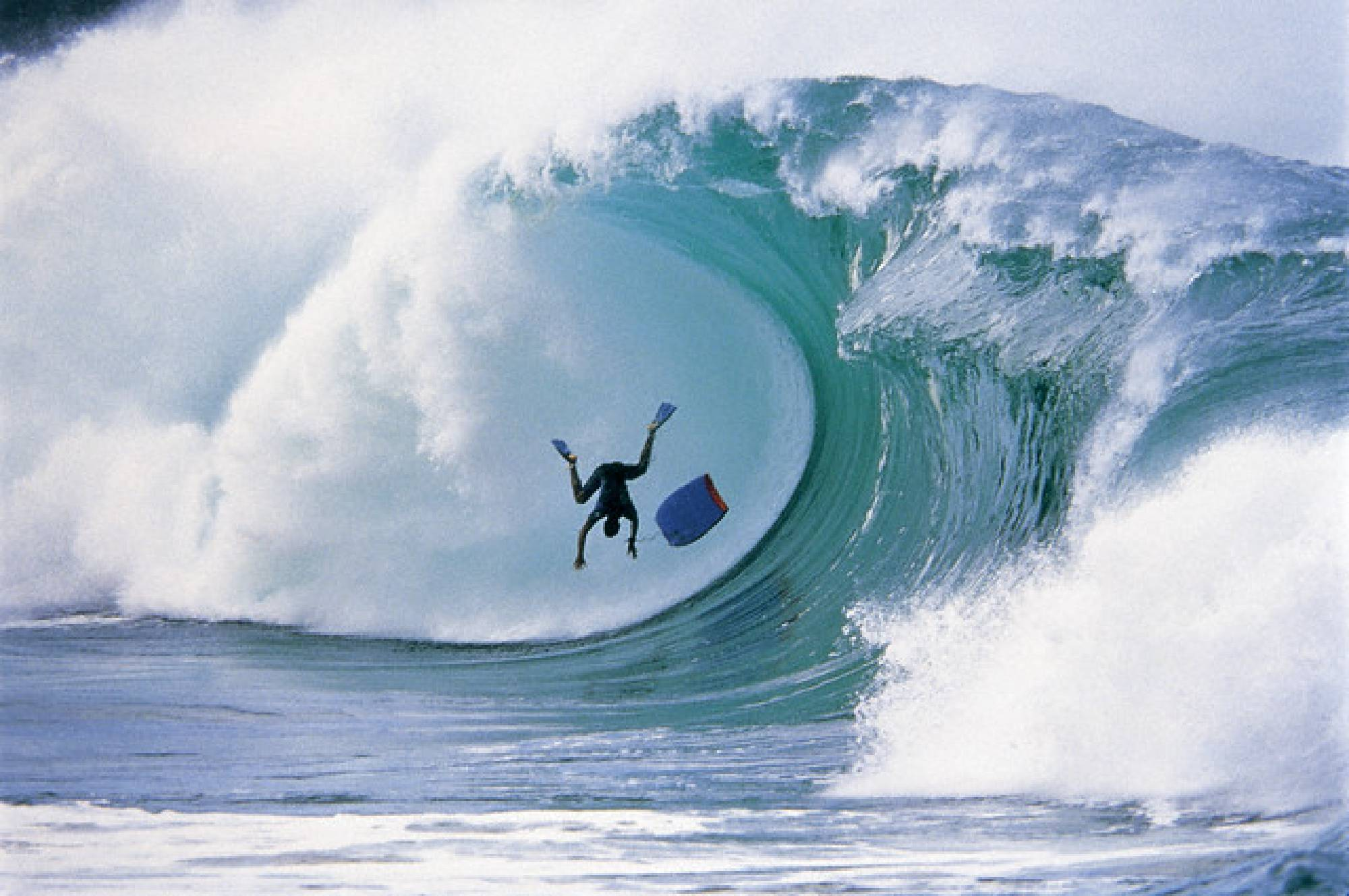 Tsunamis and surf have different origins
